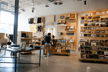 boutique-urban-outfitters
